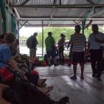 Warten auf das Wassertaxi nach Bocas