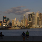 Panama City Skyline im Abendlicht