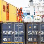 Die Container werden gesichert