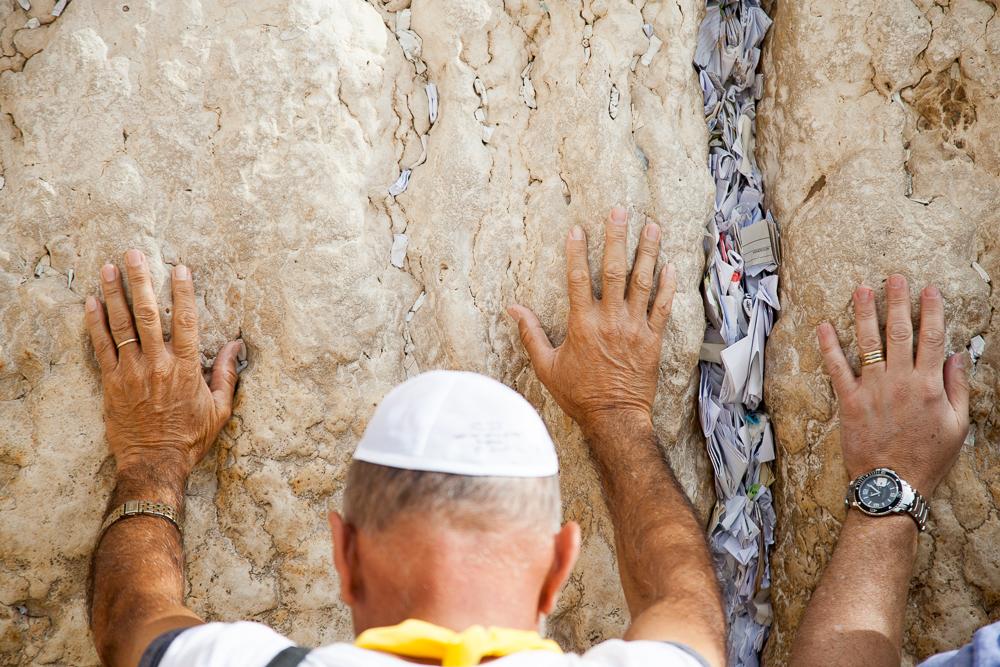 In die Ritzen kann man Zettel mit Wünschen und Gebeten stecken