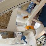 Ein Gewirr von Treppen und Etagen